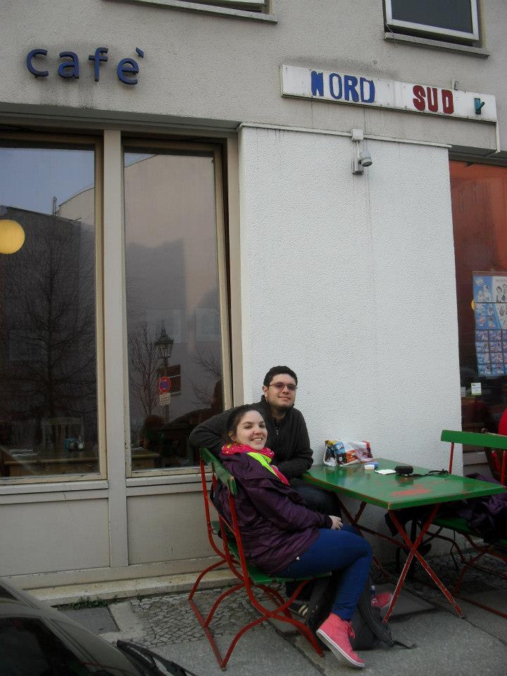 A gente na frente do Café Nord-Süd