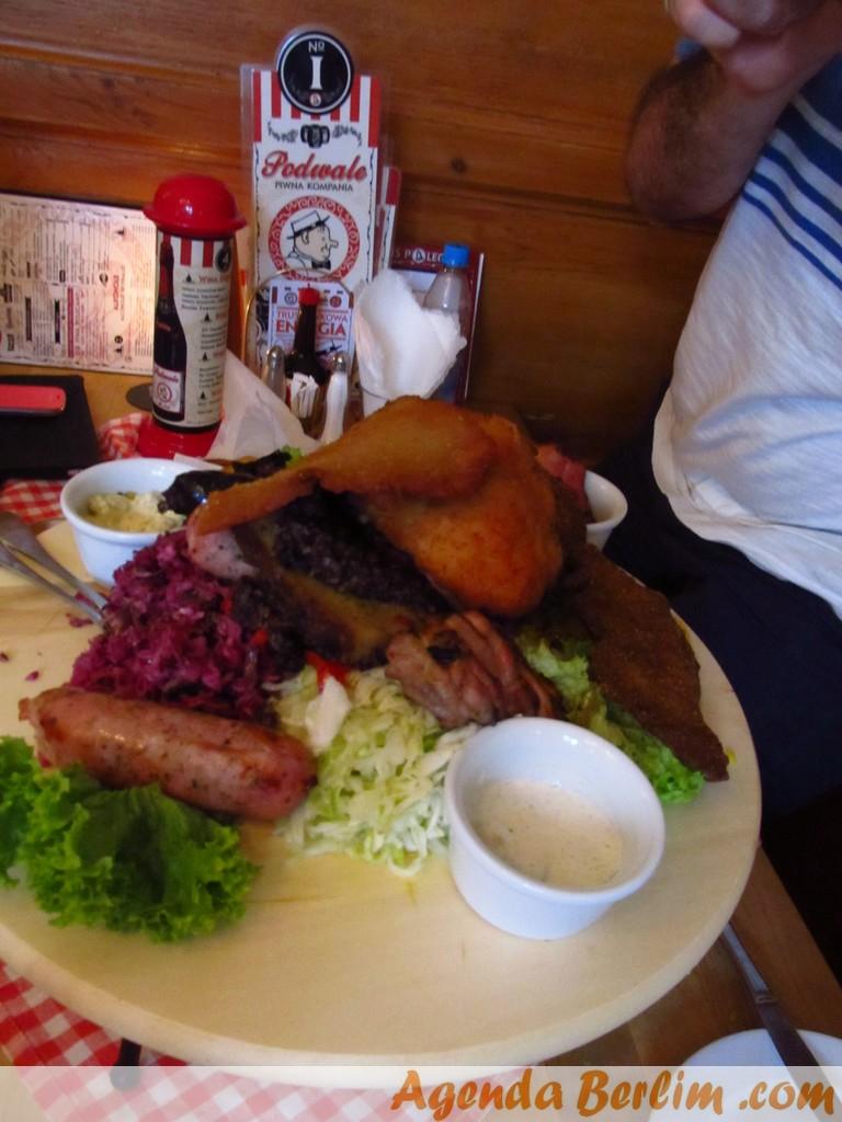 Prato típico com 1kg de diversos tipos de carne
