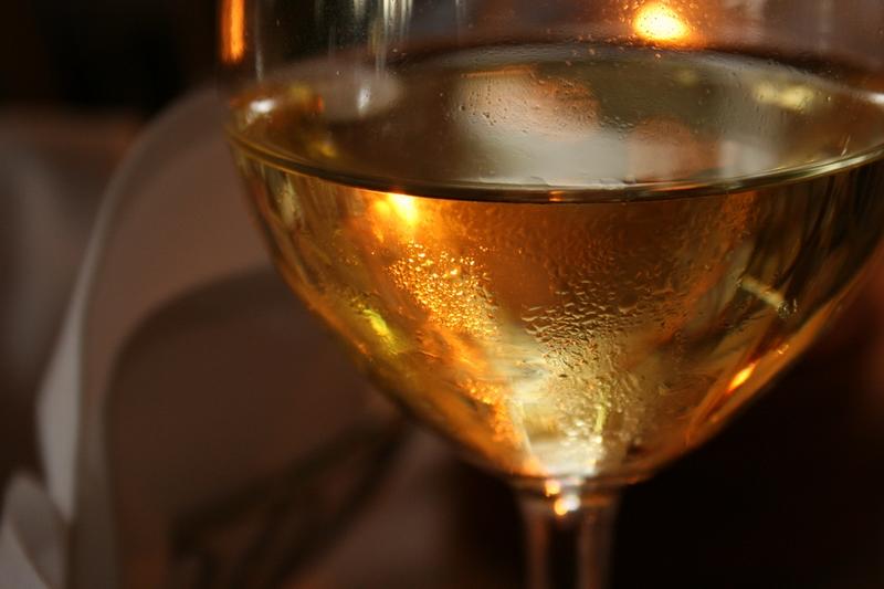 I, Scmtb49, Wine glass, CC BY-SA 3.0