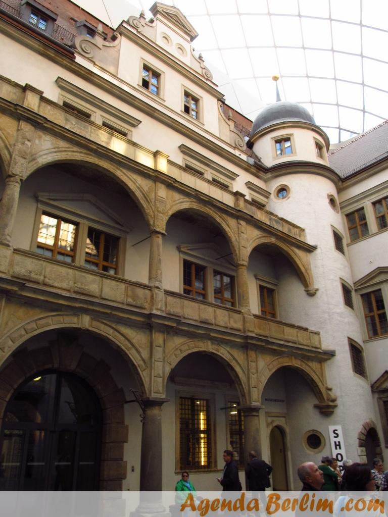 De Berlim a Dresden: Residenzschloss