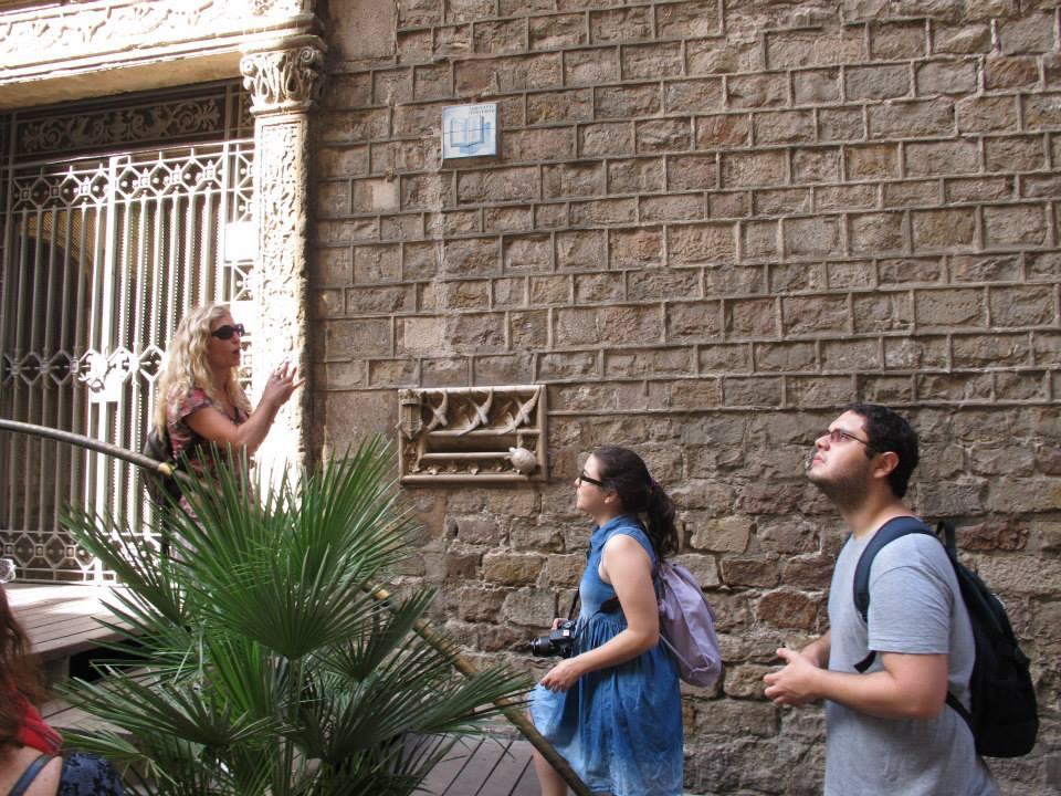 A gente prestando atenção no tour da Cris - Foto de Carina Dittrich do Viajoteca e Senzatia