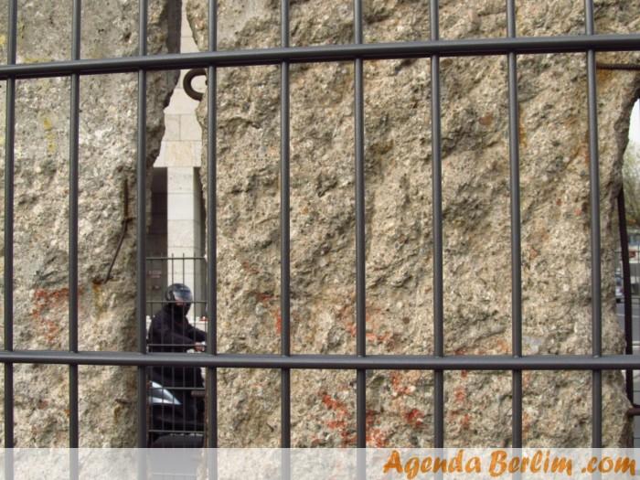 Muro de Berlim orinal, na Topografia do Terror
