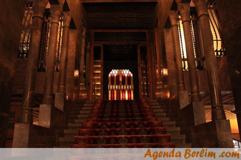 Entrada principal do Palau Güell