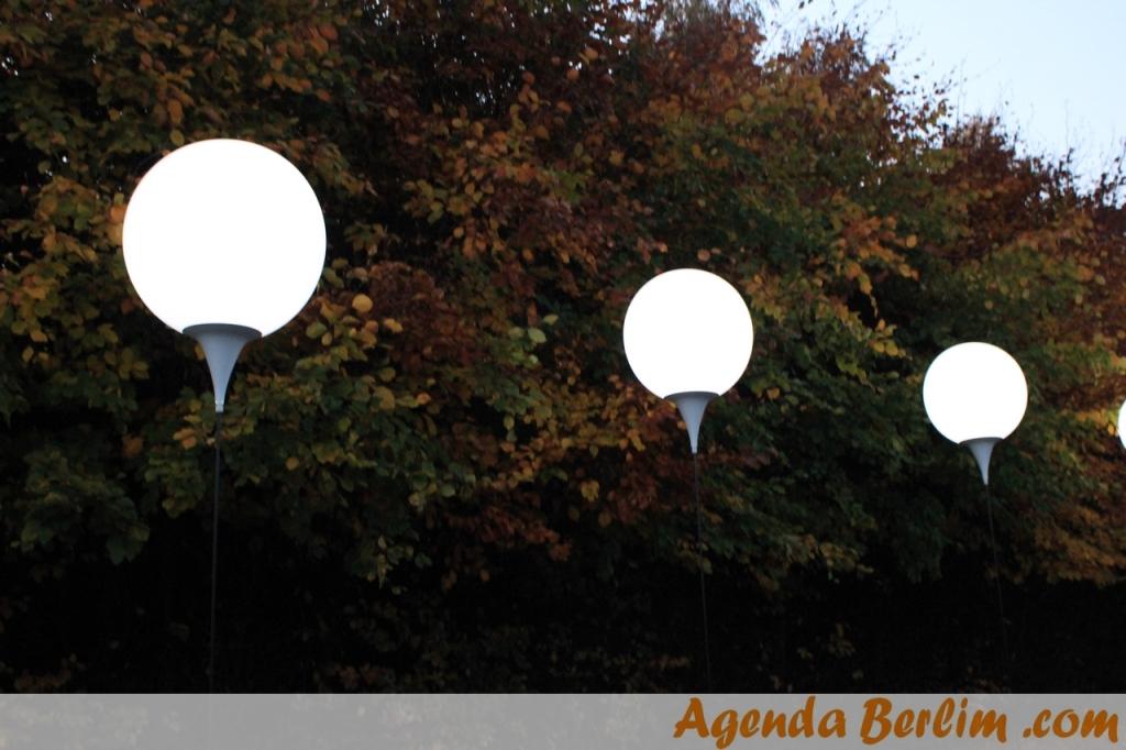 Balões de luz no Mauerpark