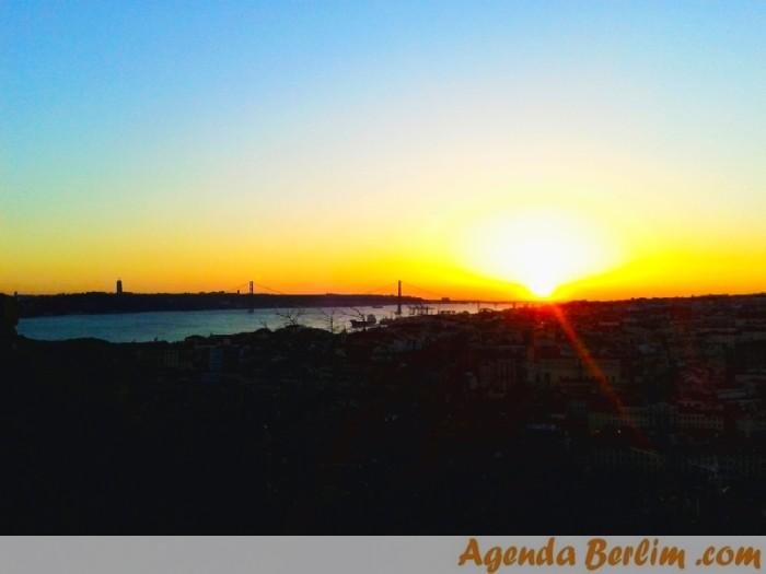 Pôr-do-sol sobre a bela Lisboa