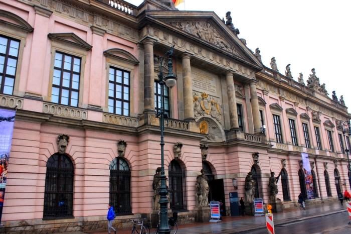 O prédio do Museu de História Alemã (Deutsches Historisches Museum)