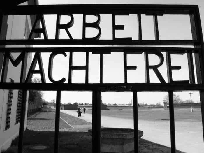 Todo mundo deve visitar um campo de concentração algum dia